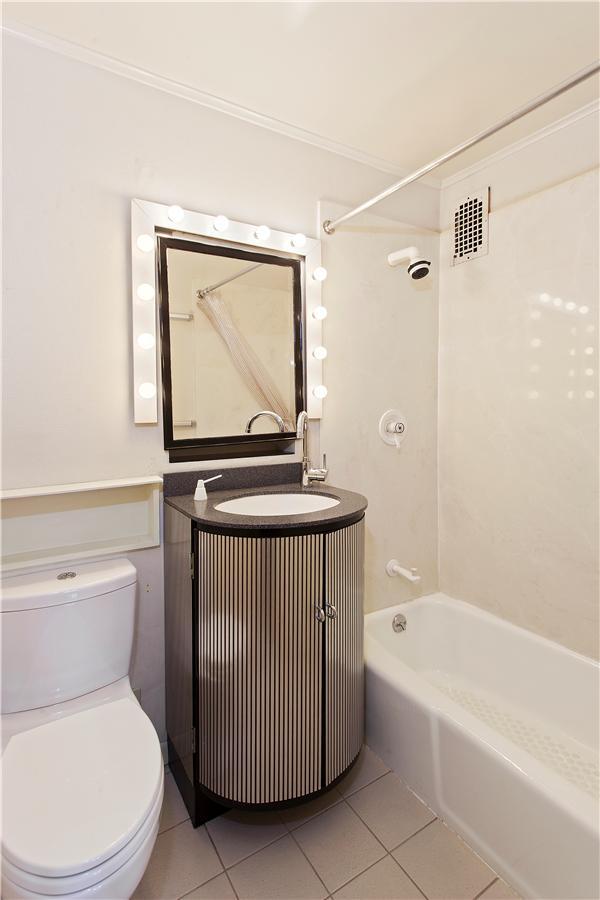 Dorchester_620_Bathroom