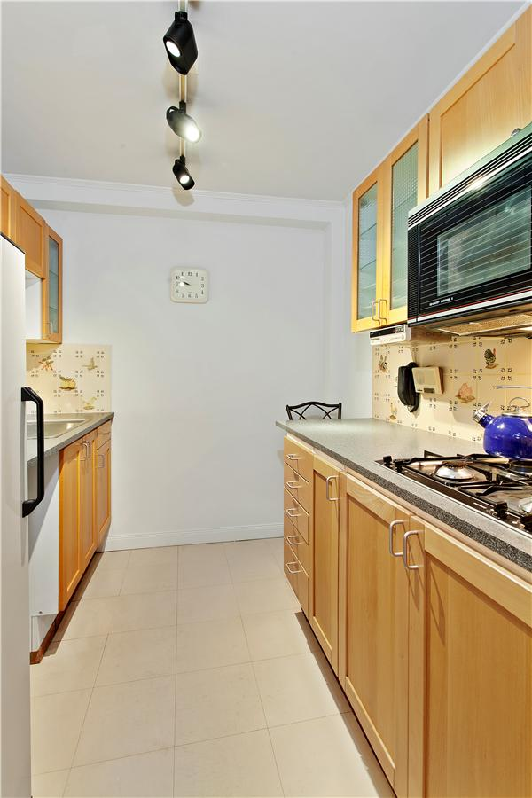 Dorchester_620_Kitchen